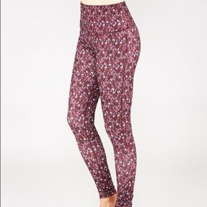 Manduka Burgundy High-Waist cropped Leggings Pants